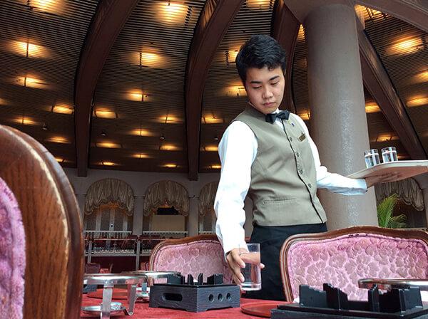 ホテル研修生